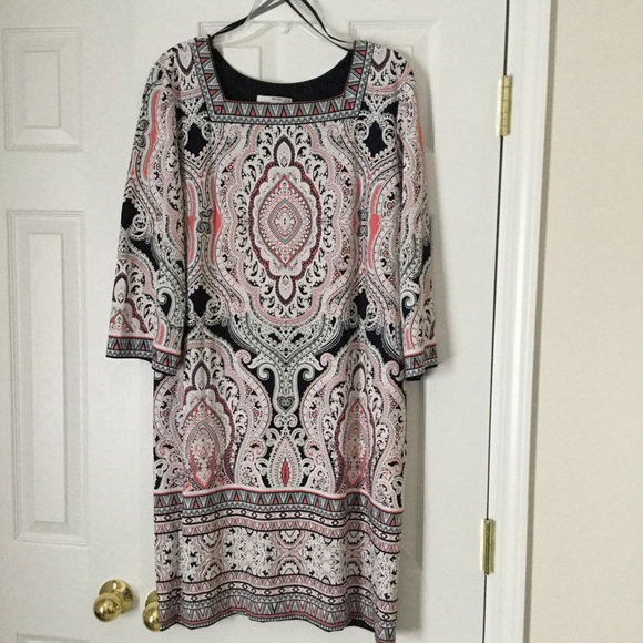 Studio One Dresses & Skirts - Studio One Dress, Sz XL, embossed paisley pattern